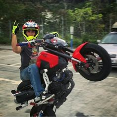 @hkoanmg Always keeps his Honda MSX 125 pointed to the sky and protected with ZeusArmor Stunt Parts #zeusarmor #dowork #honda #grom #msx125 #stunt @msxgromsociety