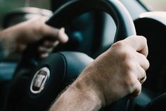 Yes, there's a wage gap for Uber and Lyft drivers based on age, gender and race - NETSKYDE Steyr, Aggressive Driving, Boutique Accessoires, Wage Gap, Distracted Driving, Driving Instructor, Learning To Drive, Driving Tips, Drunk Driving