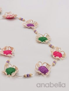 Crochet bright colors flowers necklace by Anabelia Crochet Necklace Pattern, Crochet Jewelry Patterns, Crochet Accessories, Crochet Earrings, Crochet Jewellery, Scarf Jewelry, Fabric Jewelry, Beaded Jewelry, Beaded Bracelets