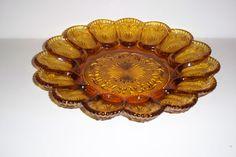 VINTAGE  BROCKWAY GLASS AMERICAN CONCORD PATTERN AMBER EGG PLATE - flea market find
