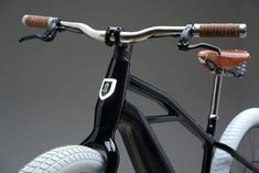 Milwaukee, Lund, Sports Illustrated, Ducati, New Electric Bike, Electric Bikes For Sale, E Biker, Design Retro, Motos Harley Davidson