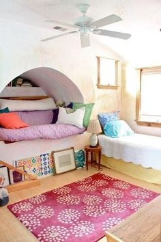 A bed/couch nook? Hell yes!