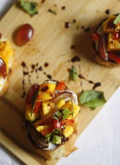 Mango Bruschetta with Balsamic Glaze | Community Post: 25 Finger Food Recipes You Need For The Holidays