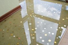 The liquid 3-D floors have initially been used in commercial spaces such as hotels, offices, and retail stores.