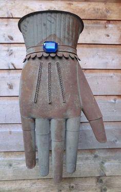 Glovemaker's Trade Sign