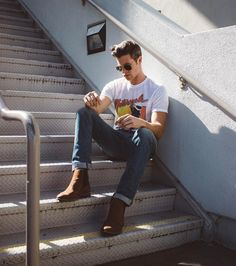 """1,427 Likes, 110 Comments - Parker York Smith (@parkeryorksmith) on Instagram: """"BLOGGED: How to style Chelsea boots in the summertime! I took these sweet new @shoeologynyc boots…"""""""