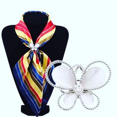 Butterfly kisses from a brooch! #outfitoftheday #fashiondesigner #fashionable #mylook #snapppt #fashionblog#currentlywearing #fashiondiaries#fashiondesign #fashionstyle#fashiondaily#fashiongram#todaysoutfit#styleblogger#whatiworetoday#styleoftheday#fashionaddict #styleinspiration #wiwt