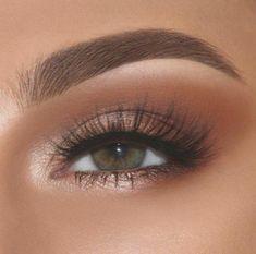 Top 100 stunning eye makeup Oben 100 atemberaubende Augen Make up Ideen Top 100 stunning eye makeup ideas - Prom Makeup Looks, Cute Makeup, Glam Makeup, Gorgeous Makeup, Eye Makeup For Prom, Pretty Eye Makeup, Makeup Geek, Natural Makeup For Prom, Everyday Eye Makeup