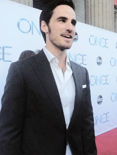 Colin o'Donoghue on the season 4 OUAT premiere red carpet Ouat Cast, Outlaw Queen, Colin O'donoghue, Captain Swan, Season 4, Once Upon A Time, Red Carpet, Celebrities, Celebs