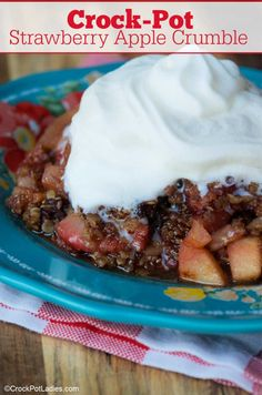 Crock-Pot Strawberry Apple Crumble - AA quick and easy dessert recipe, this Crock-Pot Strawberry Apple Crumble is easy to make and absolutely delicious! [Gluten Free, Low Calorie, Low Fat, Low Sodium, Vegetarian & 10 WW SP (Blue, Green & Purple Plans)] #CrockPotLadies #CrockPot #SlowCooker #Desserts #WeightWatchers #Apples #Strawberries #EasyRecipes Apple Crumble Recipe, Cinnamon Crumble, Weight Watcher Cookies, Weight Watchers Desserts, Easy Desserts, Delicious Desserts, Cookie Recipes, Dessert Recipes, Sugar Free Pudding