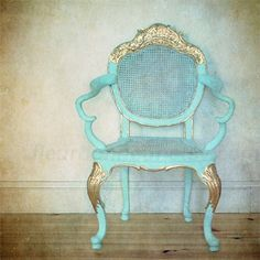 Aqua and gold chair interior photo. I want to add this to my growing unintentional sub-collection of solo chair photos. Beautiful Interior Design, Home Interior Design, Turquoise Chair, Turquoise Hotel, Blue Chairs, Azul Tiffany, Country House Interior, Photo Processing, Antique Furniture