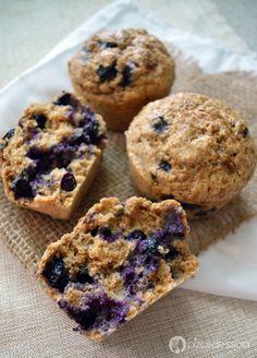 Aprende a preparar unos deliciosos muffins de moras azules o blueberries con esta receta fácil y con fotos paso a paso. Ya sea para desayuno, snack o merienda, quedan riquísimos!