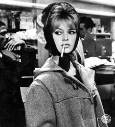 大人おフェロヘアが熱い♥60年代ファッションアイコン♡ブリジット・バルドーから盗め♥の4枚目の写真                                                                                                                                                     もっと見る