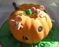 Cute Fondant Cake Ideas | Fondant Cakes « Cake Decorating Ideas Blog