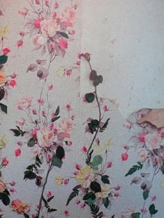 patternbase:    peeling floral wallpaper    (via misswallflower)