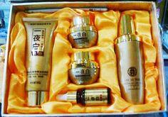 Paket Cream Korea 5 in 1 Complete Original Terbaru Untuk Pemesanan Cepat Silahkan Contact: SMS : 0821.1335.8786 Add Pin BB : 2B263605 Paket Cream Korea 5 in 1 Complete terdiri dari: - Cream Siang 25gr - Cream Malam 25gr - Serum Korea - Bar Soap (Sabun) - Toner