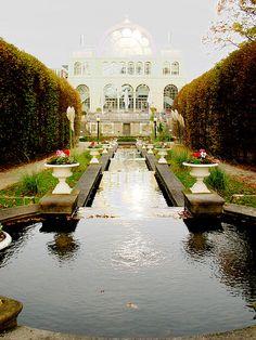 Botanical Gardens . Cologne, Germany Die schönsten Hotels in Köln findet Ihr hier: http://www.hotelreservierung.com/index.php?seite=hotelsuche-liste&si=ai%2Cco%2Cci%2Cre&ssai=1&ssre=1&do_availability_check=on&aid=318826&lang=de&checkin_monthday=&checkin_month=&checkin_year=&checkout_monthday=&checkout_month=&checkout_year=&ss=K%C3%B6ln&datePick1=&datePick2=