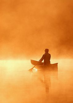 Solo paddler on Basshaunt Lake, Ontario Canada - Peter Bowers 2008 Canoe at Dawn Lake Pictures, Canoe And Kayak, Canoe Trip, Zen Meditation, Mellow Yellow, Belle Photo, The Great Outdoors, Mists, Sunrise