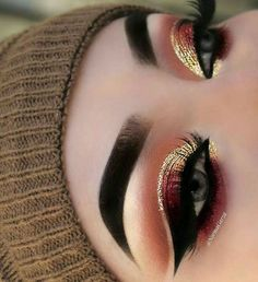 This make-up trend is the easiest way to update your look. Excellent idea for eye make-up # Makeup Trends, Eye Makeup Tips, Makeup Goals, Skin Makeup, Makeup Inspo, Beauty Makeup, Makeup Products, Makeup Eyeshadow, Makeup Kit