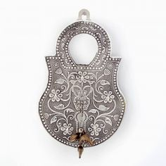 Jaipuri Oxidized 5 Key Holder in White Metal 295