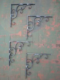 Steel Bed Design, House Main Gates Design, Metal Plant Hangers, Grill Door Design, Art Shed, Wrought Iron Decor, Metal Art Projects, Wall Decor Design, Vintage Industrial Decor
