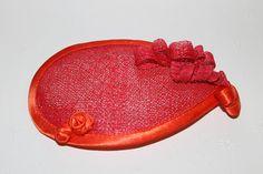 Forma de lagrima sinamay y raso Wiredolls