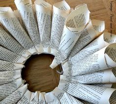 Vintage, Paint and more. Book Page Wreath Tutorial Old Book Crafts, Book Page Crafts, Book Page Art, Book Pages, Wreath Crafts, Diy Wreath, Paper Crafts, Paper Wreaths, Christmas Paper