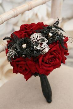 Bridesmaid Skull wedding bouquet, alternative, Ornate handle, brooch bouquet, retro, gothic, wedding flower, posy bouquet, skull wedding by MaddisonRocks on Etsy