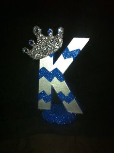 This is a listing for an 8 inch 3-dimensional letter with the prince theme (can also be princess themed). Any color...no crown...whatever you like....
