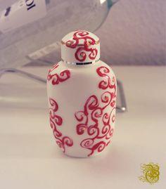 """Recycling Perlen Pen glass bottle """"Merz Dragee"""" packaging painted  """"Merz Dragee"""" Packung bemalt"""