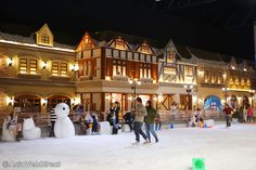 Snow Town Bangkok is an indoor themed village and play area with 30-40 cm of artificial snow located in Gateway Ekkamai shopping mall. Inside the air conditioned hall there is a Main Street with Japanese restaurants, shops and a playground. There is also a modest slope with sleighs. Best for 4 - 8 year olds.