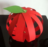 Apple craft - red strips of paper