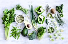 Do keto diet plan really works? What foods to eat on keto diet as a beginner? Find here ketogenic diet menu meal plan for weight loss in 7 days Balanced Meals, Balanced Diet, Flat Stomach Foods, Healthy Snacks, Healthy Eating, Healthy Detox, Diet Detox, Clean Eating, Clean Diet