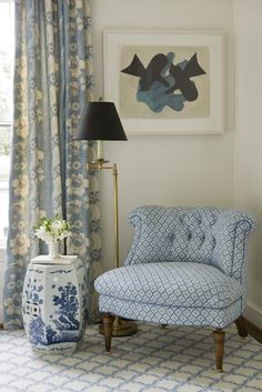 Blue Tufted Chair on Blue lattice Rug - Transitional - Bedroom Interior Desing, French Interior, Tufted Chair, Curtain Designs, Enchanted Home, Living Room Chairs, Chinoiserie, Decoration, Designer