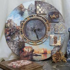 Wall clock with views of Venice. Clock Craft, Diy Clock, Clock Decor, Decoupage Box, Decoupage Vintage, Photo Halloween, Creative Box, Homemade Art, Wooden Clock