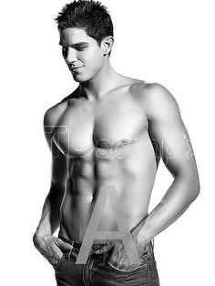 Sean faris nude pics