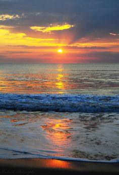 Gorgeous! Early Morning Sunrise by *Enkased:)
