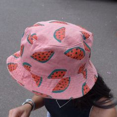 Hatabouttown in East London Victoria Park on this beautiful sunny summer Sunday spotted this cute Watermelon bucket Hat best way to sum up a great day! Funky Hats, Cute Hats, Head Accessories, Fashion Accessories, Grunge Fashion, Mens Fashion, Estilo Grunge, Accesorios Casual, Outfits With Hats