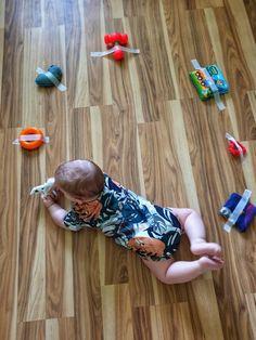 6 Month Baby Activities, Baby Learning Activities, Indoor Activities For Kids, Infant Activities, Sensory Games, Baby Sensory Play, Baby Play, Baby Toys, Micro Creche