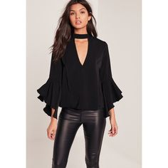 Simple and chic with a stylish twist, this black beaut will have you turning heads for all the right reasons. Top Chic, Neck Choker, Mode Style, Colorful Fashion, Pretty Outfits, Blouse Designs, Casual Looks, Blouses For Women, Plus Size Fashion