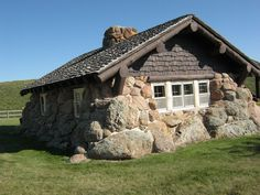 Custer State Park near Rapid City, South Dakota --- an example of using stones and other materials that are there on the land Stone Cottages, Stone Houses, Tiny Cabins, Cabins And Cottages, Stone Cabin, Eco Buildings, Stone Masonry, Modern Tiny House, Backyard Sheds