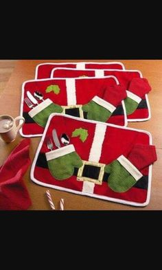 Table Dish Bowl Food Placemat Decoration Christmas Home Party Santa Claus Mats Xmas Table Pads Decoration Christmas Projects, Holiday Crafts, Holiday Fun, Festive, Christmas Placemats, Christmas Sewing, Winter Christmas, Christmas Holidays, Christmas Ornaments