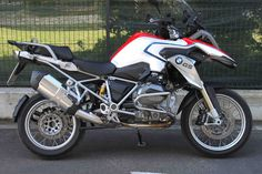 Nuova aerografia per Bmw Gs 1200 Limited Edition_made in Italy_by ag design pesaro New airbrush for Bmw Gs 1200 Limited Edition_made in Italy_by ag design pesaro