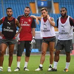 #Walcott #Ospina #Ozil #Lacazette #ArsenalInShanghai