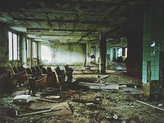 #abandoned school  #iphoneography #shotoniphone #mextures #iglifecz #iglife #igerscz #vscoczech #vscocze #vsco #ontheroad #exploretocreate #travelphotography #onset #moviemaking #filmmaking