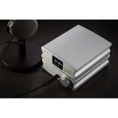 AUNE X5s Lecteur de fichiers Audio Haute définition - Aune dévoile le X5s, un lecteur de fichiers audio 100% numérique supportant la quasi totalité des formats y compris le #DSD. Basé sur le format du X1s dont il reprend l'esthétique, il est capable d'alimenter en audio haute résolution tous #DAC grâce a sa connectique (AES/EBU, Optique #Toslink, Coaxial #RCA).