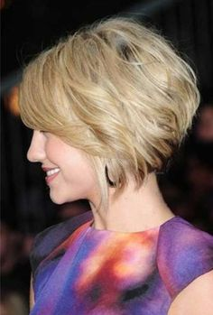 20 Trendy Short Haircuts: Hairstyles Short Stacked Bobs, Layered Bob Short, Short Wavy, Short Bobs, Short Graduated Bob, Wavy Bobs, Short Blonde, Stacked Bob Fine Hair, Beige Blonde
