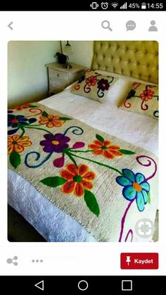 20 Color Embroidery Bed Wrap Cover and Pillow Models Mexican Embroidery, Crewel Embroidery, Embroidery Patterns, Quilting, Wool Applique, Embroidered Flowers, Embroidered Bedding, Needlepoint, Needlework