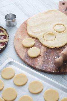 Pasta frolla morbida: scopri una frolla davvero speciale, ideale per preparare biscotti e crostate! [Easy shortcrust pastry recipe to bake cookies and tart]