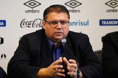 STUDIO PEGASUS - Serviços Educacionais Personalizados & TMD (T.I./I.T.): Esportes: Romildo Bolzan confirma Junior Chávare c...